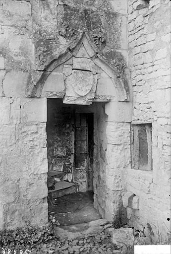 Porte d'escalier