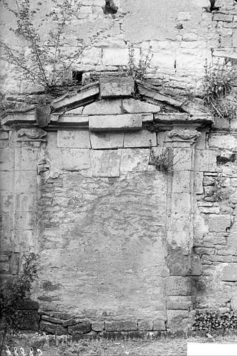 Porte murée
