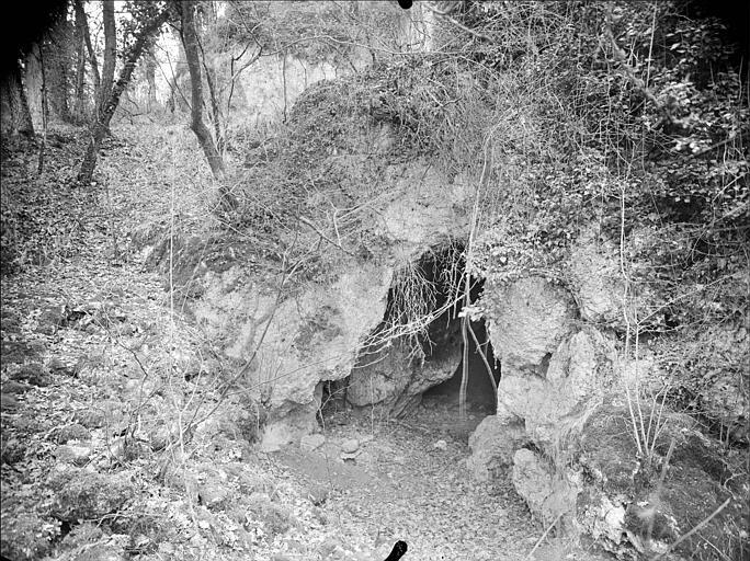 Grottes des Près-Romies : entrée