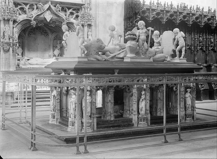 Eglise : tombeau de Philibert le Beau, duc de Savoie mort en 1504