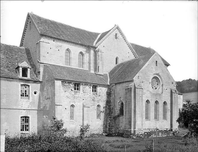 Eglise : façade est