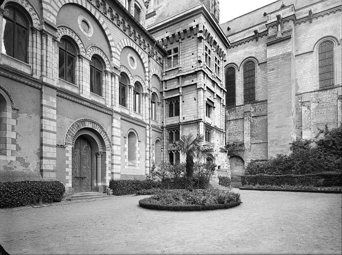 Ancien évêché ou Palais du Tau