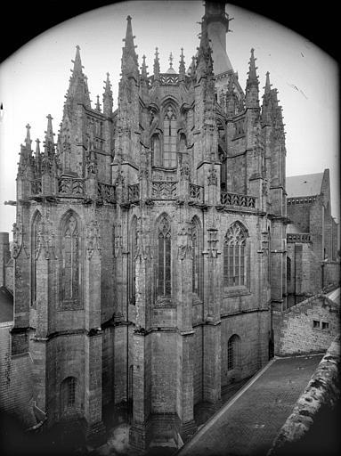 Eglise : abside, côté nord-est