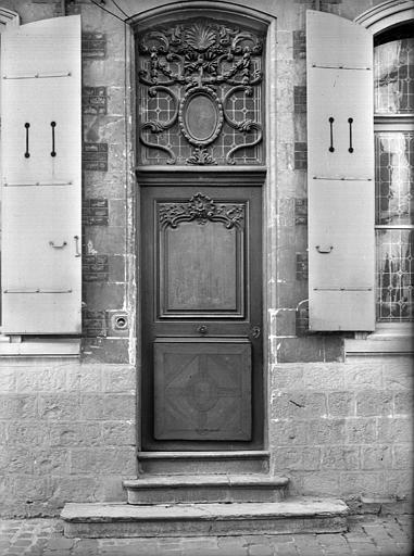 Vue de la porte d'entrée