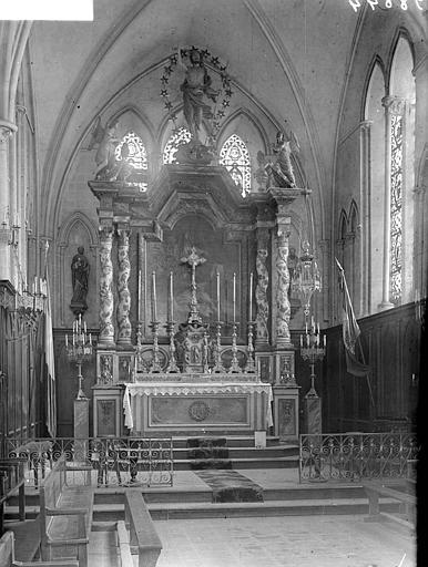 Choeur de l'église : maître-autel