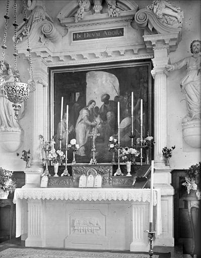 Maître-autel et tableau : la présentation de Jésus au Temple