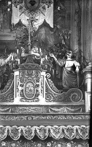 Maître-autel : le tabernacle