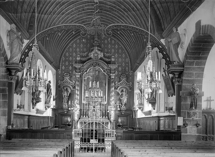 Choeur : maître-autel, statues