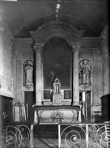 Vue du choeur : maître-autel