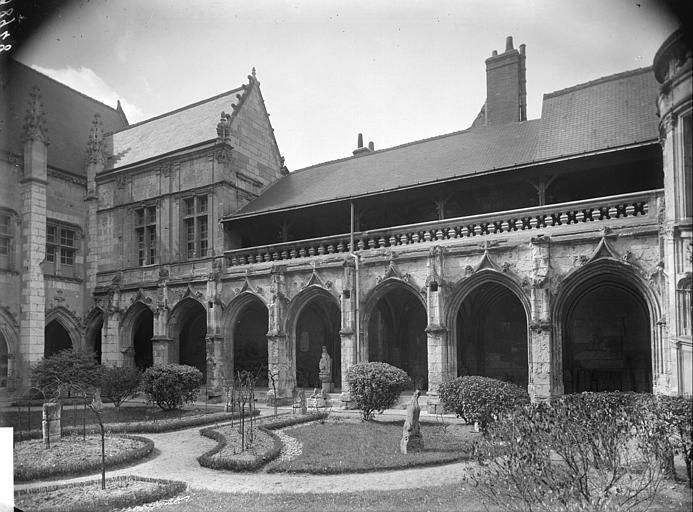 Cloître façade nord
