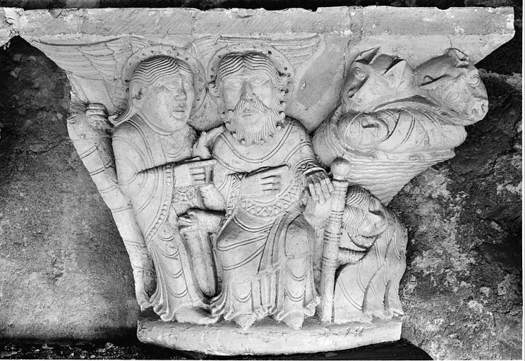 Chapiteau du cloître : Nativité