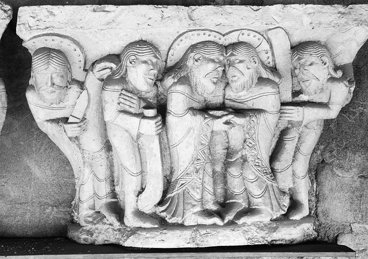 Chapiteau du cloître : Baiser de Judas