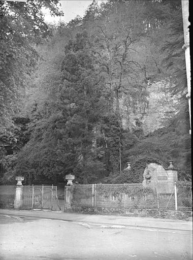 Fontaine et jardin Médicis
