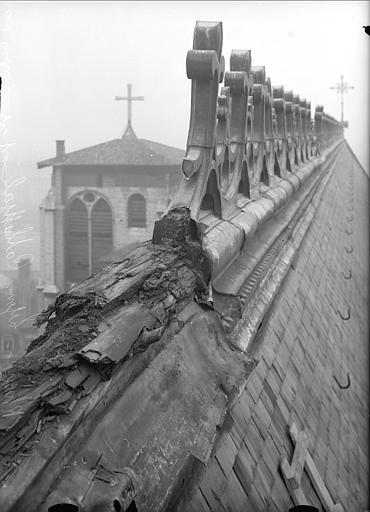 Crête du toit, vue nord-ouest