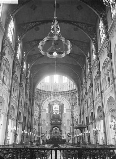 Vue de la nef vers le choeur