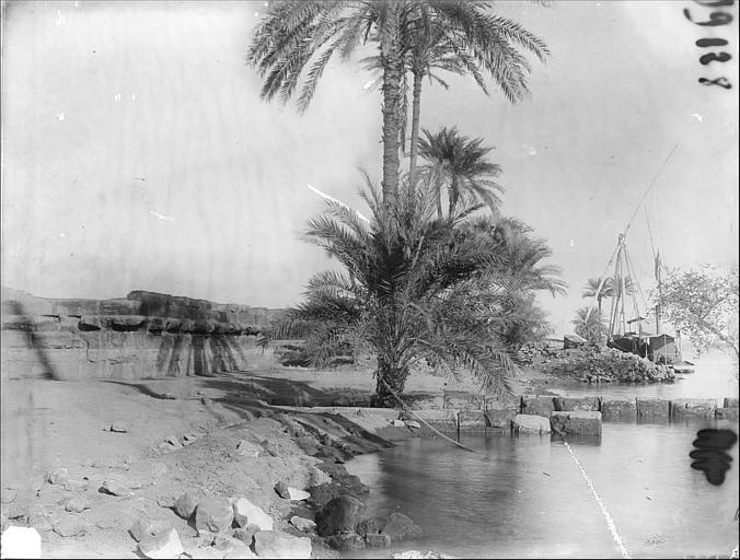 Quai, lac Nasser