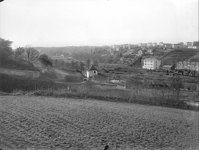 Vue de la banlieue de Poitiers ; vallée de la Boivre