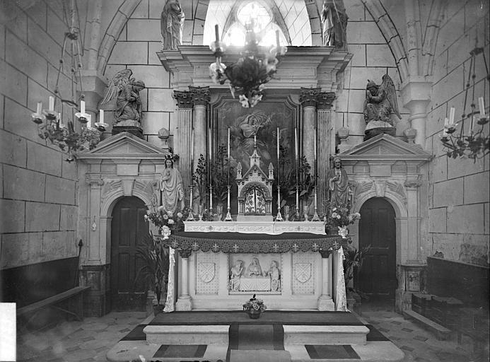 Maître-autel : statues de la Vierge et du Christ, tableau