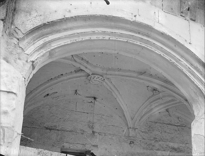 Détail de l'arche de la galerie extérieure