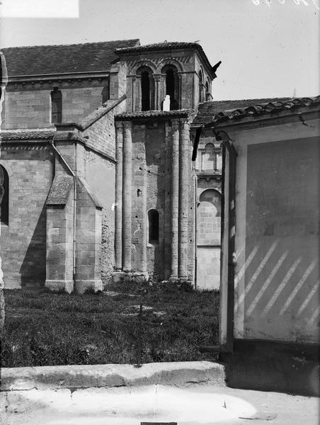 Extérieur, détail du clocher, face sud