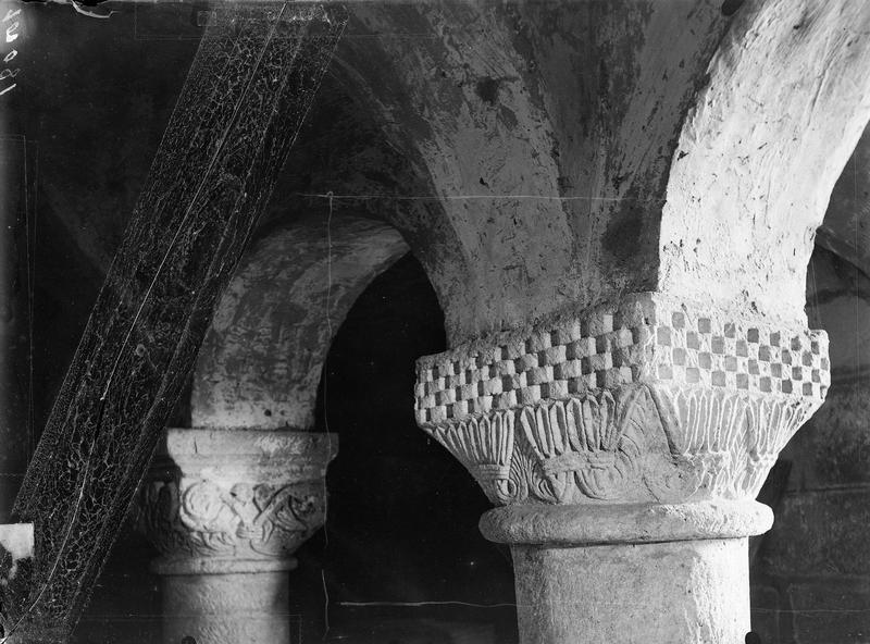 Crypte, chapiteau