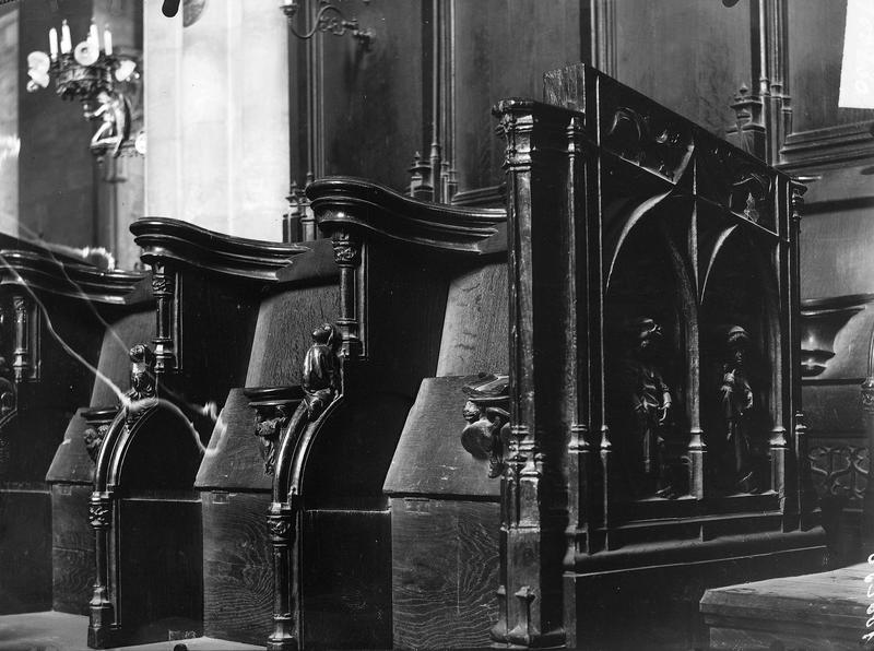 Stalles style gothique
