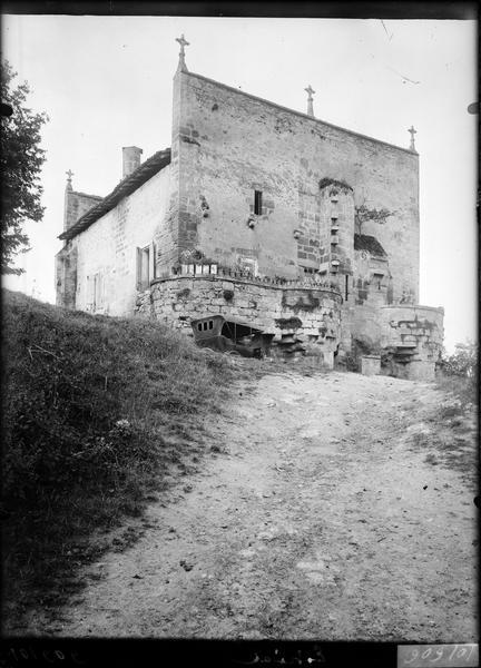 Balcons et contreforts de la façade nord