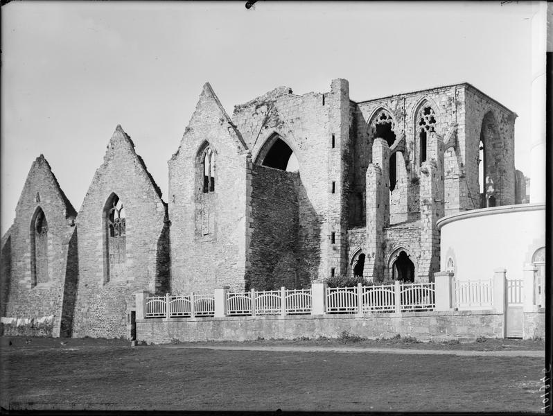 Extérieur, côté sud-est de l'église
