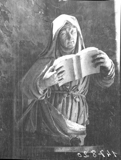 Vierge au Saint Livre, statue