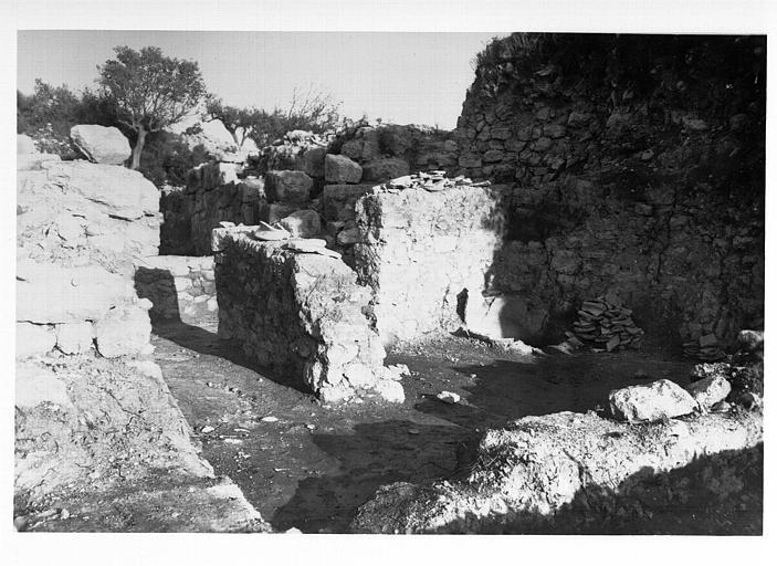 Murs subsistants