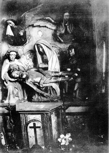 Retable, groupe sculpté : Vierge de Pitié