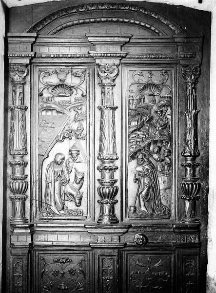 Vantail de la porte d'une sacristie