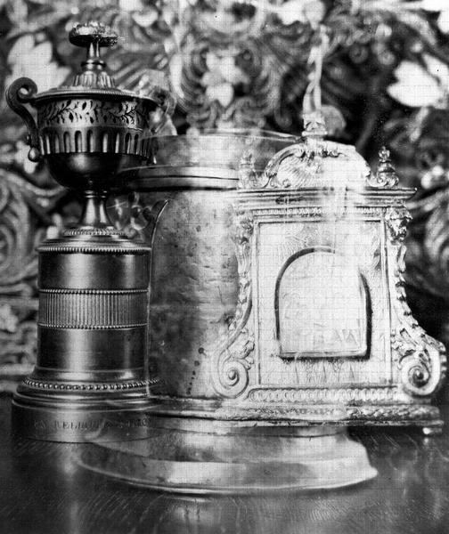 Reliquaire de saint Léon le Grand, en forme d'urne funéraire en bronze doré