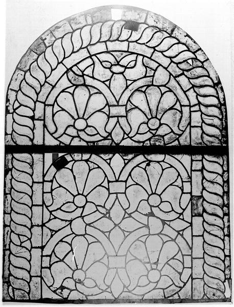 25 verrières décoratives (baies 0 à 22, 100 à 102)