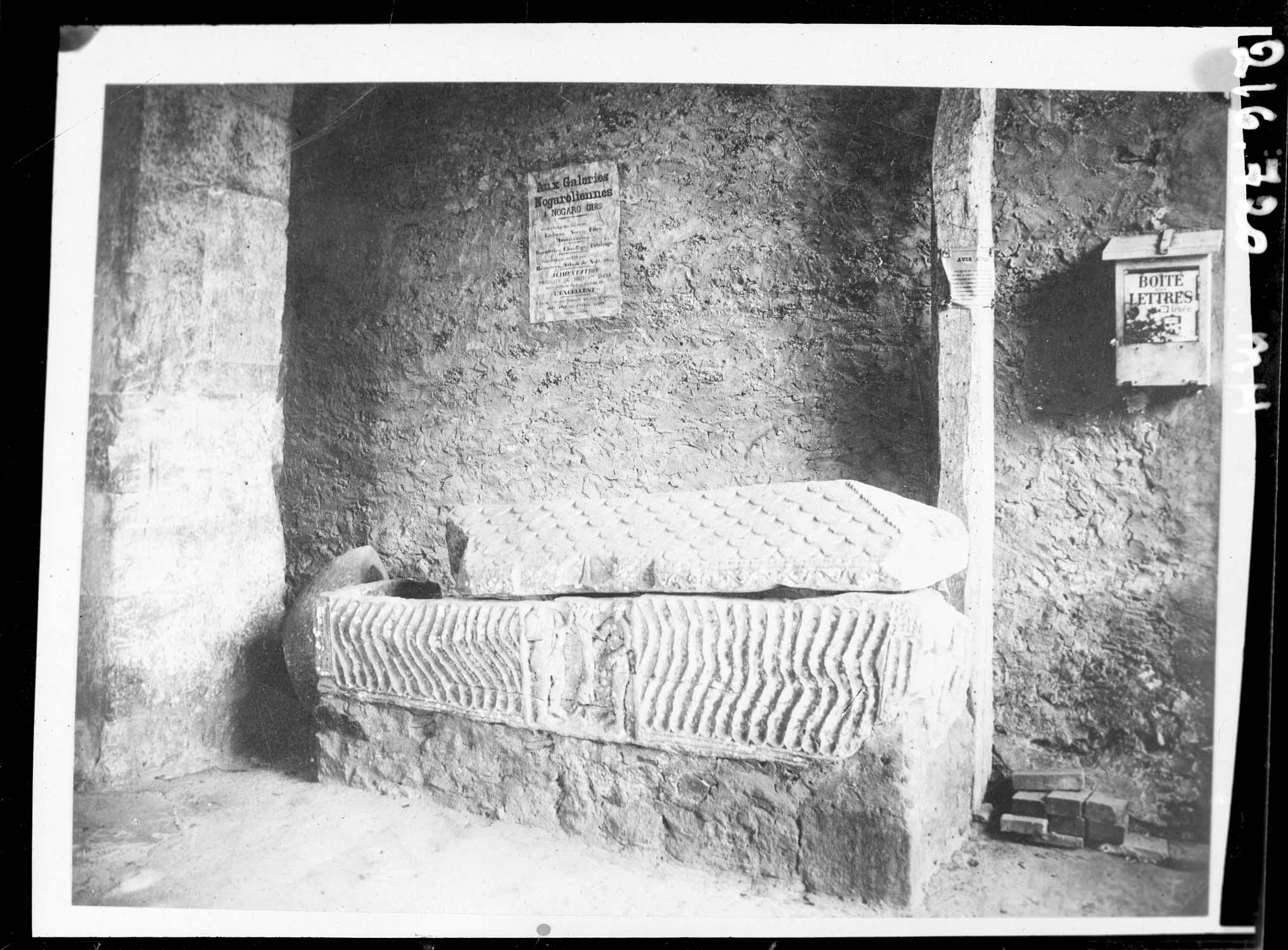 Sarcophage en pierre