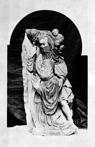 2 groupes sculptés : Donateur et saint Christophe (Un), Donatrice et sainte Catherine (Une)