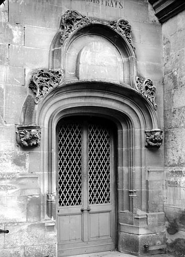 Ancien palais épiscopal, ancien palais de justice, actuellement musée départemental de l'Oise