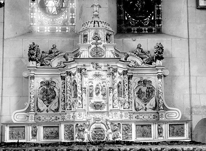 Tabernacle à ailes et exposition : scènes de l'Ancien et du Nouveau Testament
