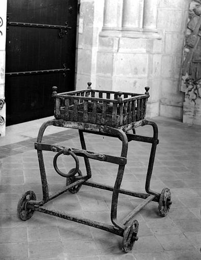 Réchaud chariot à charbon liturgique
