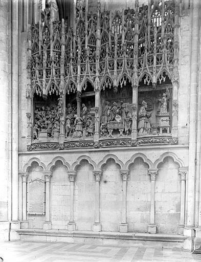 4 bas-reliefs : Le Christ chassant les vendeurs du Temple