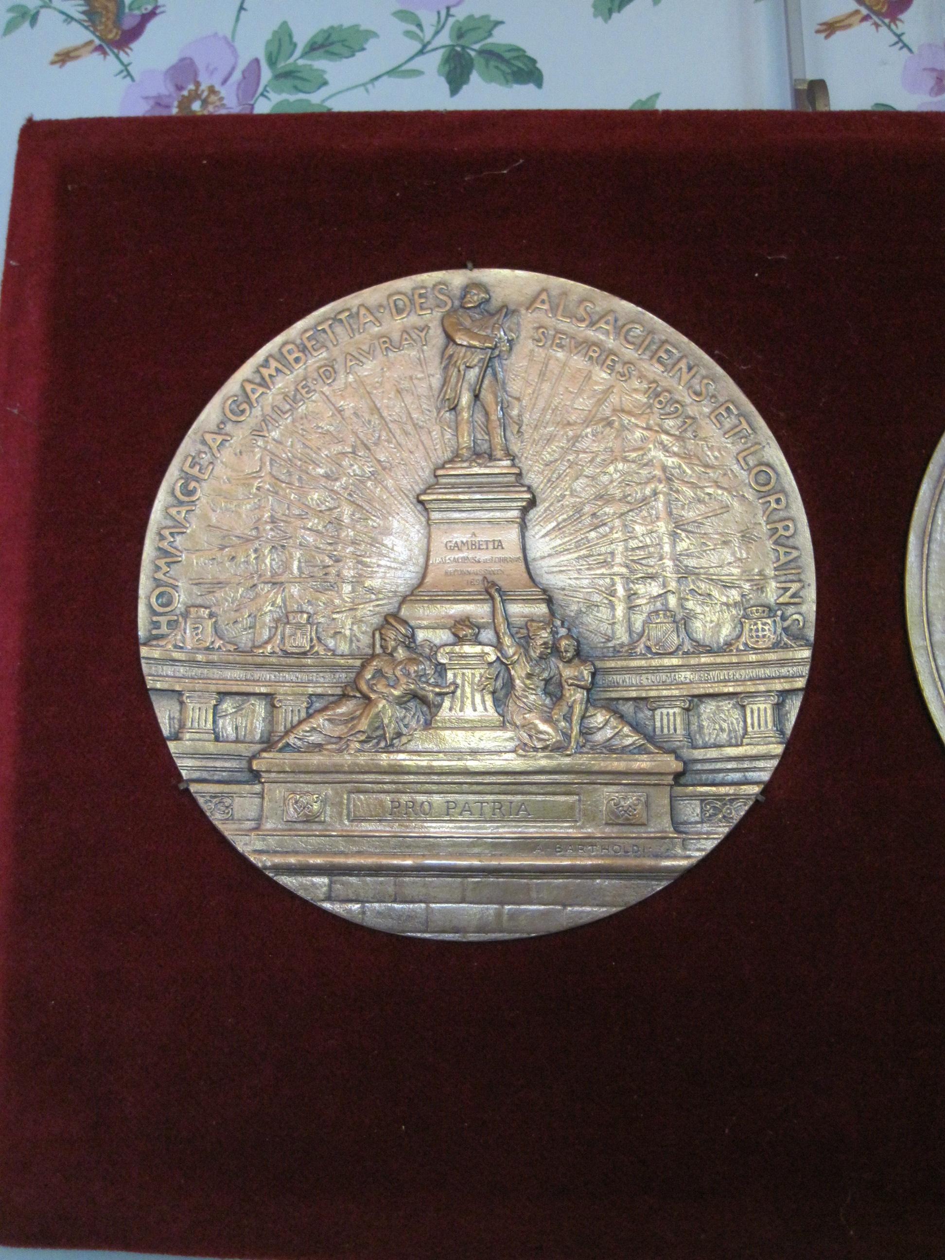 Médaille commémorative du monument à Gambetta érigé aux Jardies