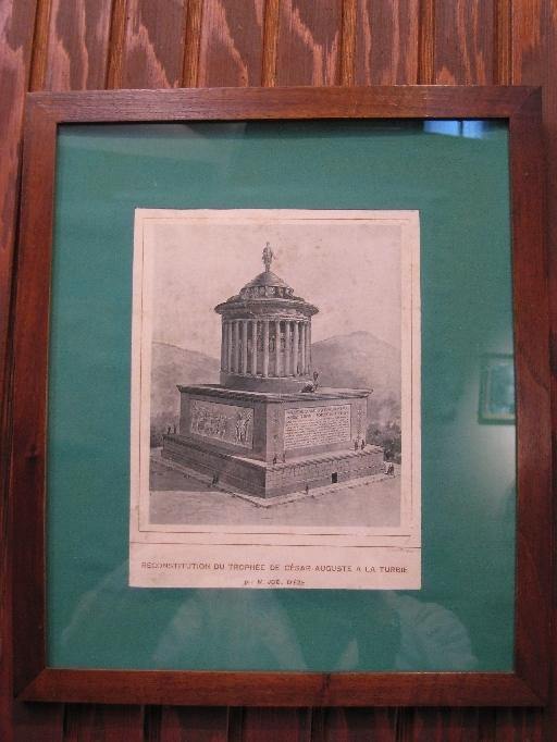 Reconstitution du trophée de César Auguste à La Turbie