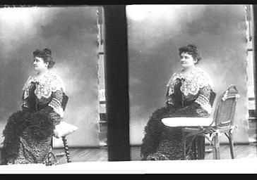 Mme Ch. René, professeur de piano