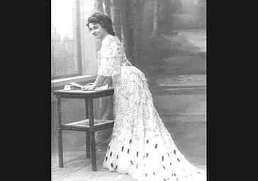 Mme Duluc, dans 'Madame Flirt'