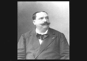 M. Bourdeau, professeur de basson au Conservatoire