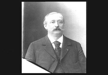 M. Hasselmans, professeur de harpe au Conservatoire