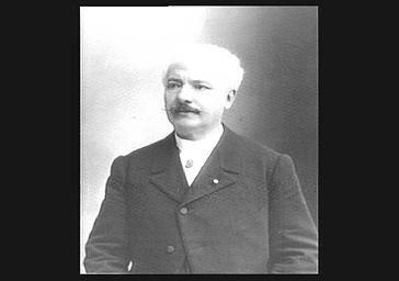 M. Warot, professeur de chant au conservatoire