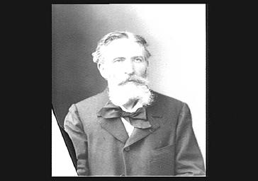 M. Garcin, professeur de violon au Conservatoire