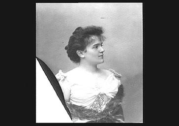 Mlle Got, professeur de solfège au Conservatoire
