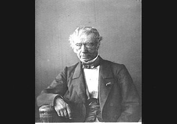 Jean-Pons-Guillaume Viennet, homme politique, poète, auteur dramatique, membre de l'Académie Française